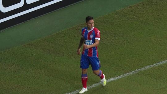Artur quase abre o placar no início do jogo para o Bahia, aos 03' do 1'tempo