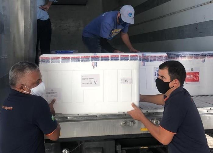 Mais de 80 mil doses de vacinas contra a Covid-19 são distribuídas para municípios de Sergipe
