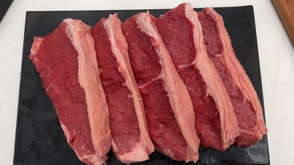 Exportação brasileira de carne bovina volta a subir em agosto