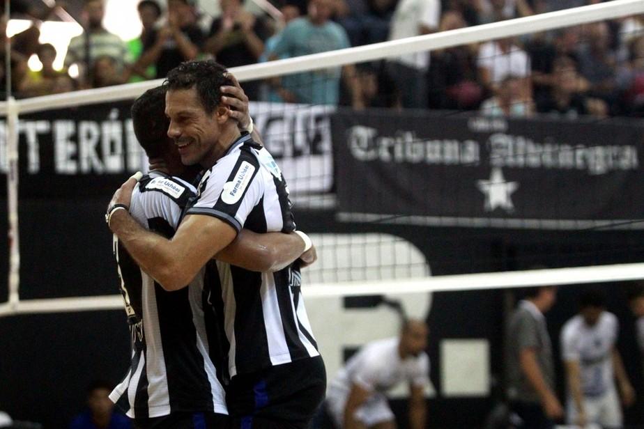 Lorena decide em casa para o Botafogo, que garante uma vaga na elite do vôlei nacional