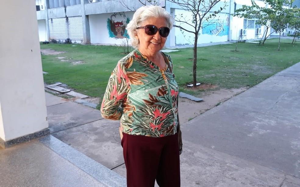 ENEM 2018 - DOMINGO (4) - SALVADOR (BA) - Candidata de 81 anos fica com fome durante Enem na BA e abandona prova pela metade para ir para casa comer — Foto: Alan Oliveira/G1