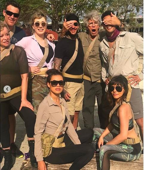 A celebridade Montana Brown com seus colegas de reality show (Foto: Instagram)