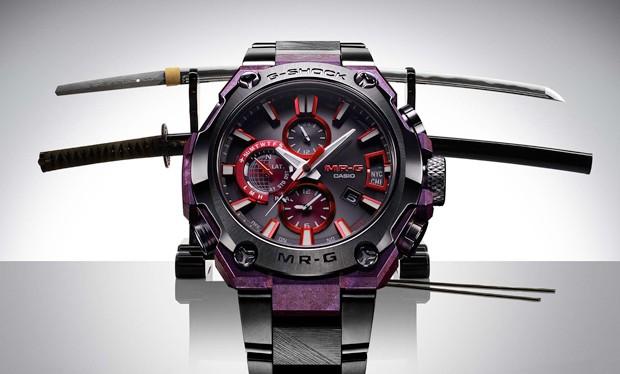 O Casio G-Shock MR-G e suas espadas samurai (Foto: Divulgação)