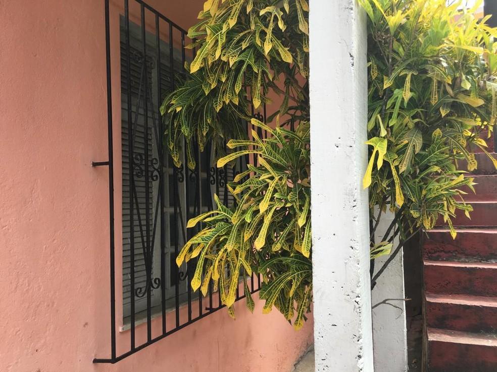 Casa onde Priscila morava fica no bairro de Vila canária, em Salvador — Foto: Itana Alencar/ G1