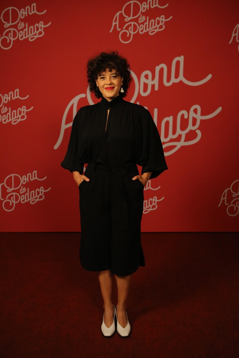 Maeve Jinkings, que será Zenaide em 'A Dona do Pedaço', vai ao evento com look preto — Foto: Isabella Pinheiro/Gshow