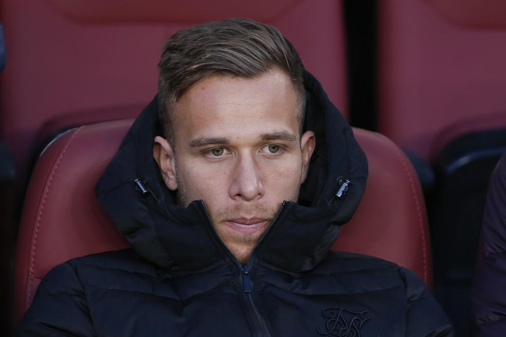 Arthur não saiu do banco de reservas do Barcelona desde que foi negociado para a Juventus — Foto: Getty Images