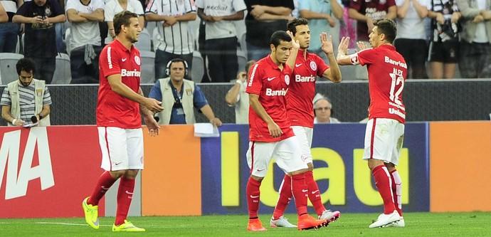 corinthians x internacional gol nilmar (Foto: Marcos Ribolli)