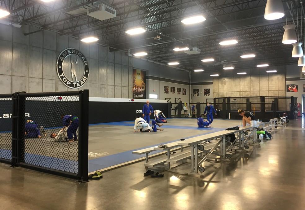 As aulas comerciais da American Top Team, em Coconut Creek, estão paradas: apenas lutadores profissionais seguem treinando — Foto: Evelyn Rodrigues