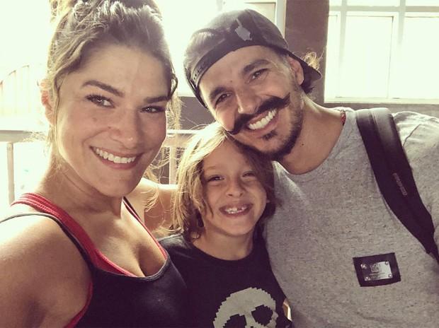Priscila Fantin, Bruno Lopes e Romeo (Foto: Reprodução/Instagram)