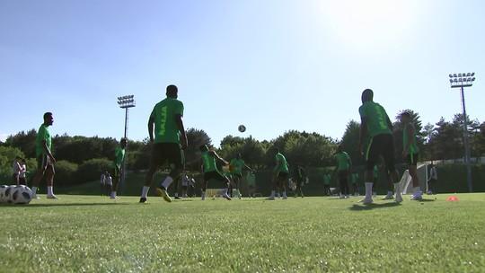 Nigéria treina para confronto contra a Islândia pela Copa do Mundo