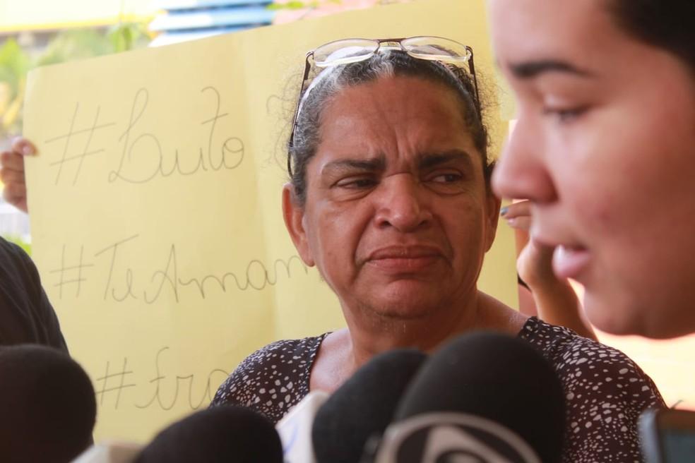 Mãe de Francisca chora ao comentar homicídio da jovem de 19 anos â?? Foto: Eliana Nascimento/G1 AM