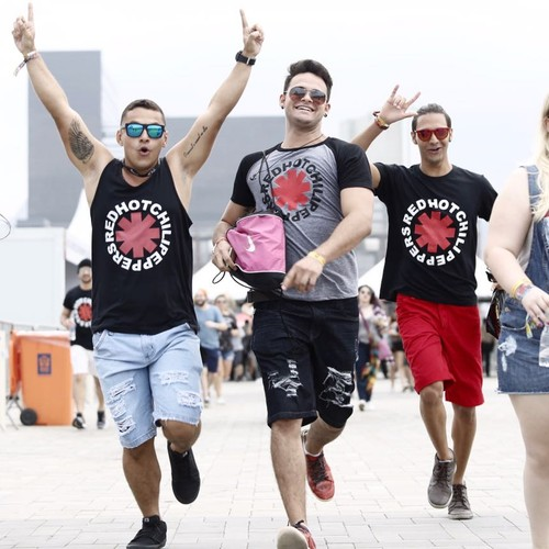 Público corre para entrar no último dia de Rock in Rio