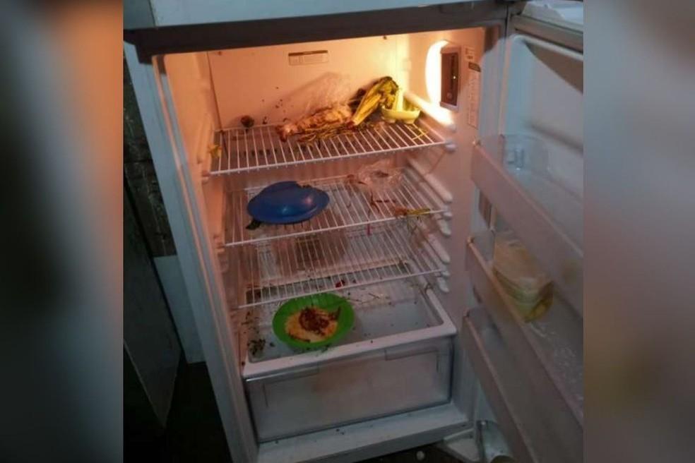 O local possuía poucos móveis e pouca comida na geladeira, conforme constatado pela Polícia Civil.  — Foto: Divulgação/SSPDS