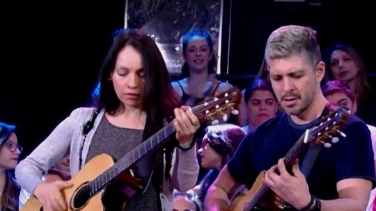 Rodrigo y Gabriela se apresentam no 'Altas Horas'; veja vídeo inédito!