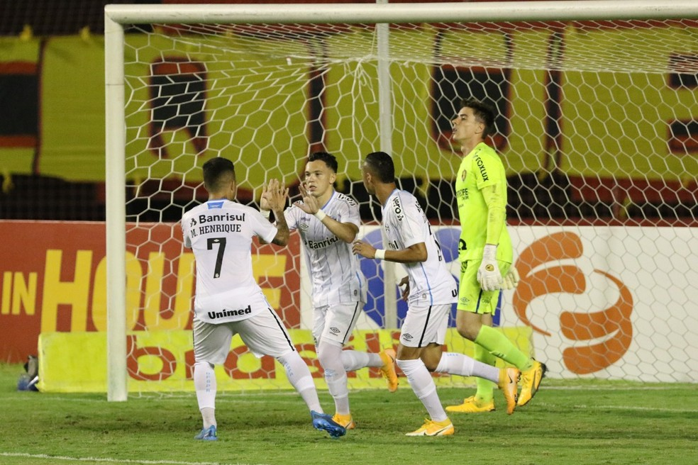 Pepê marcou o gol de empate na Ilha do Retiro — Foto: Marlon Costa / Pernambuco Press