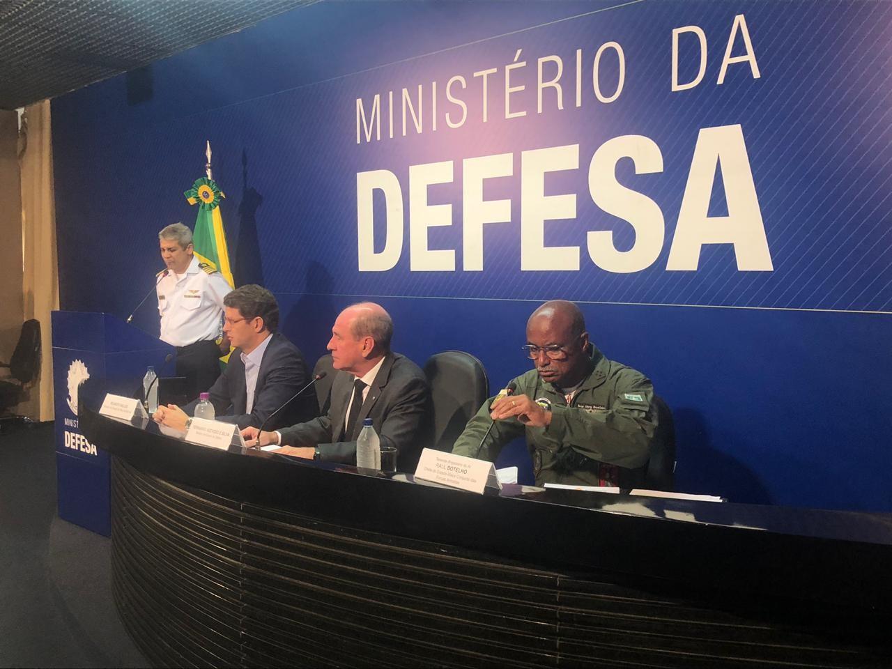Governo diz que cinco estados da Amazônia já pediram ação das Forças Armadas no combate ao fogo - Notícias - Plantão Diário