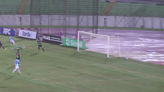 """Alemão destaca superioridade do Londrina em vitória sobre o Maringá: """"Jogou muita bola"""""""