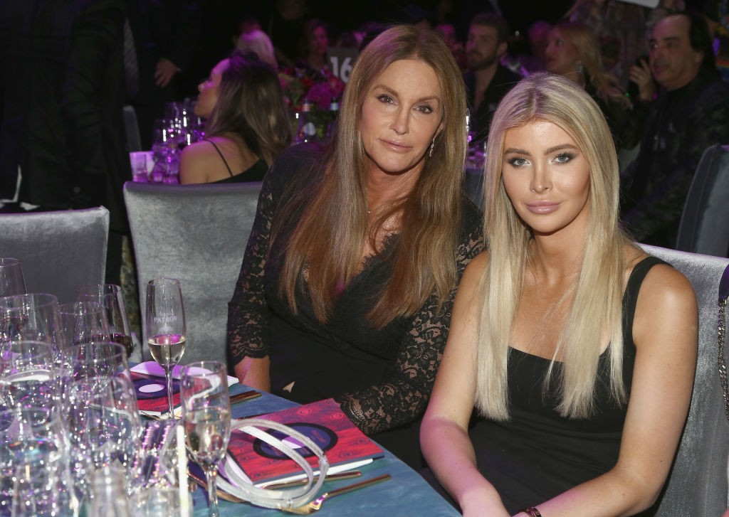 Caitlyn Jenner e Sophia Hutchins (Foto: Getty Images)