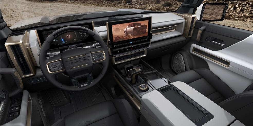 O interior pode receber uma enorme tela multimídia de 13,4 polegadas — Foto: Divulgação