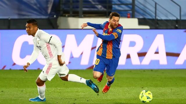 Messi e Casemiro em Real Madrid x Barcelona