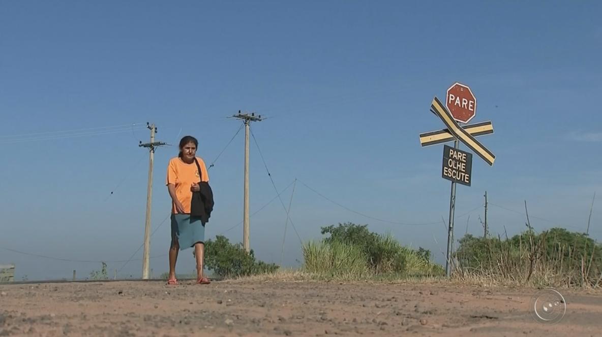 Moradores precisam viajar mais de 20 quilômetros após agência dos Correios fechar em Bauru