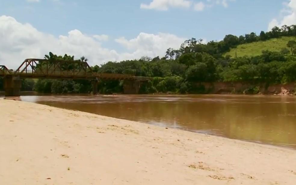 Primos morrem afogados no Rio Grande, em Ribeirão Vermelho (Foto: Reprodução EPTV)