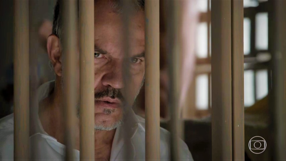 Germano (Humberto Martins) é preso em '<a href=