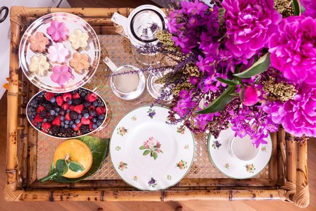 Decorando um café da manhã surpresa para alguém especial (Foto: Douglas Daniel)