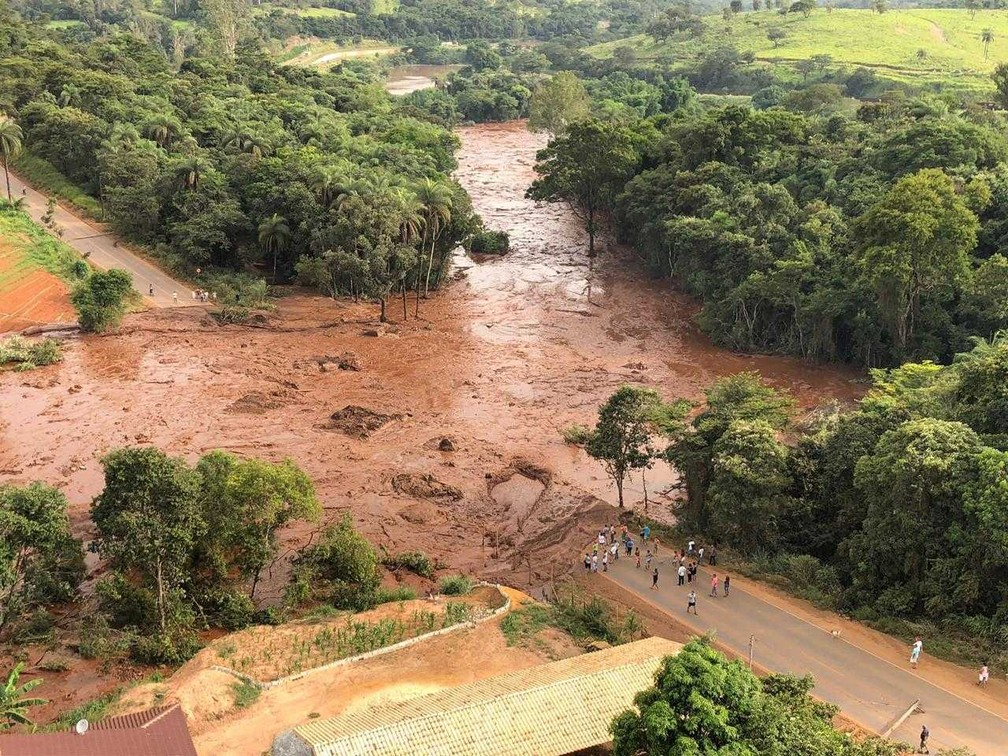 Área inundada pela lama após rompimento da barragem da Vale em Brumadinho. — Foto: Divulgação/Cemig