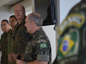 Comitiva do Exército foi ao Haiti para verificar atividades de contigente brasileiro (Foto: Lana Torres / G1)