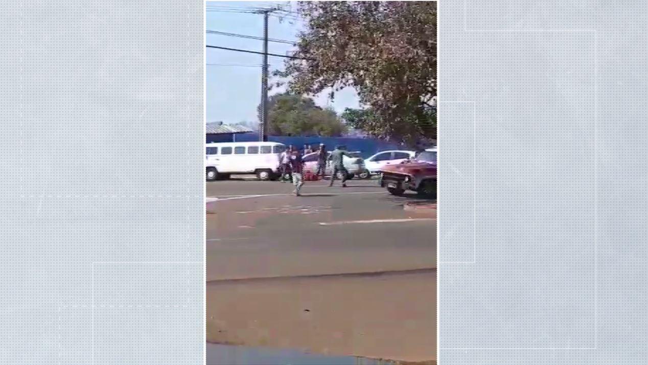Vídeo mostra confusão entre motorista de caminhonete e motociclistas, em Londrina - Notícias - Plantão Diário