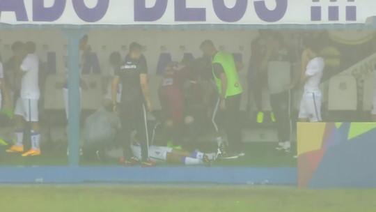 """""""Minha visão ficou escura e apaguei"""", diz jogador do Água Santa, após raio em jogo com o Atlético-MG"""