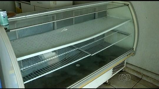 Incêndio deixa onze cidades sem água e sem energia em Goiás