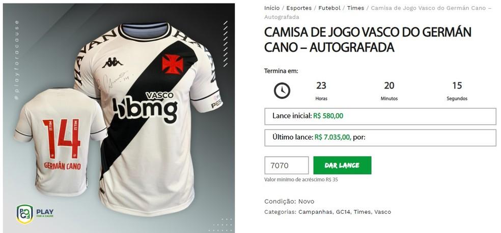 Camisa de Cano, do Vasco, está saindo por R$ 7.035,00 em leilão virtual — Foto: Reprodução