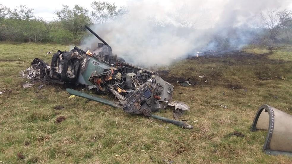 Aeronave tinha dois pilotos, que conseguiram ejetar antes da queda  — Foto: André Oliveira/Arquivo Pessoal