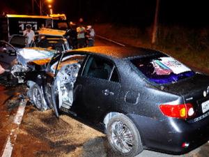 Acidente provoca a morte de três pessoas (Foto: Reprodução/TV Gazeta)