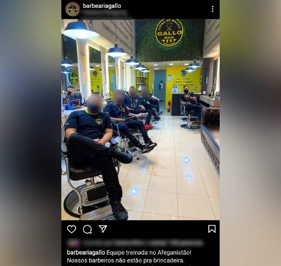 Post com foto de barbeiros diz que eles foram treinados no Afeganistão — Foto: Instagram/Reprodução