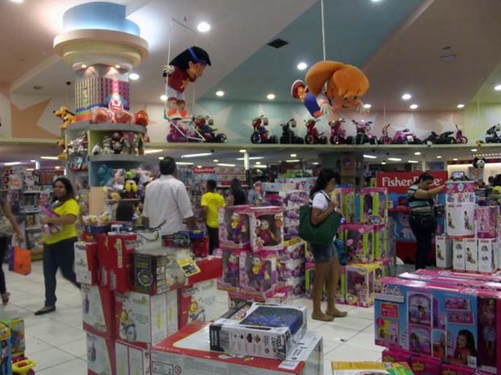 Ao todo, foram visitados 10 estabelecimentos em que há venda de brinquedos (Foto: Caroline Holder/ G1)
