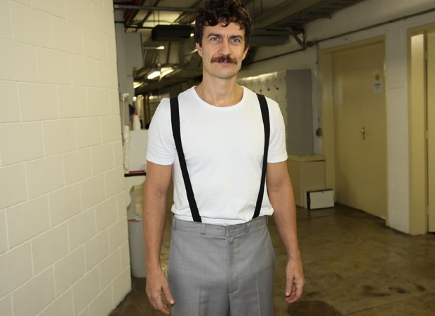 Gabriel vive o Capitão Von Trapp, protagonista masculino da história (Foto: Marcos Ribas/BrazilNews)