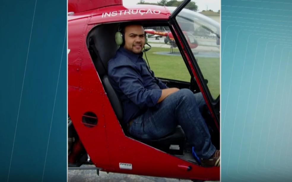 O piloto Peterson Pinheiro morreu no acidente de helicóptero em São Lourenço da Serra (Foto: TV Globo/Reprodução)