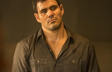 Na terça (26), Magno (Juliano Cazarré) descobrirá que o corpo do homem que ele matou desapareceu  Reprodução