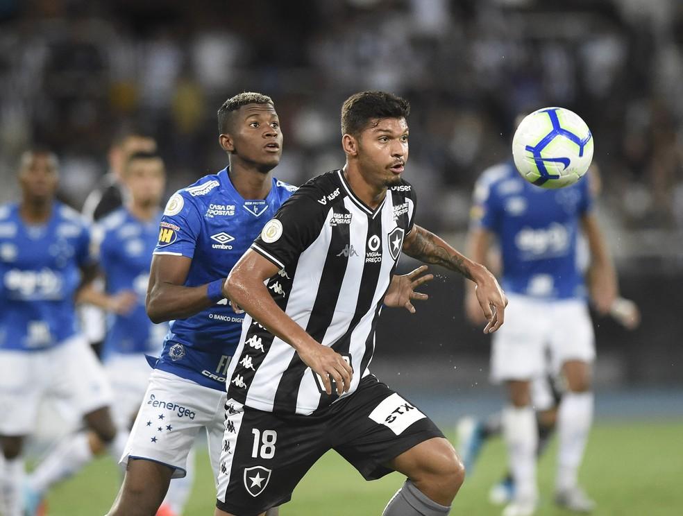 Igor  Cássio, que foi revelado pelo Botafogo, estava no Porto B e atualmente defende o Tombense na Série C do Brasileiro  — Foto: André Durão / GloboEsporte.com