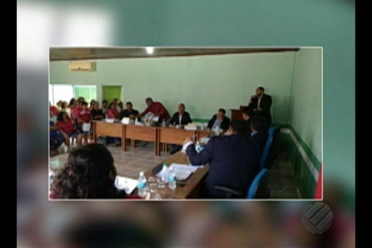 Mais de 900 professores da rede municipal do município de Bujaru estão em greve