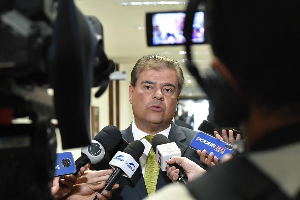 O senador Nelson Trad (PSD-MS), presidente da Comissão de Relações Exteriores, durante entrevista no Senado — Foto: Geraldo Magela/Agência Senado