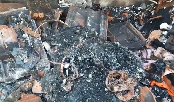 Incêndio destrói casa de alvenaria em Marília