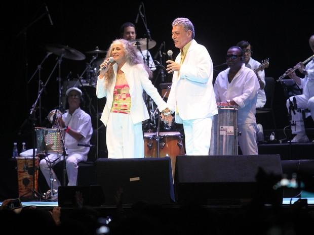 Maria Bethânia e Chico Buarque em show no Rio (Foto: Thyago Andrade/ Brazil News)
