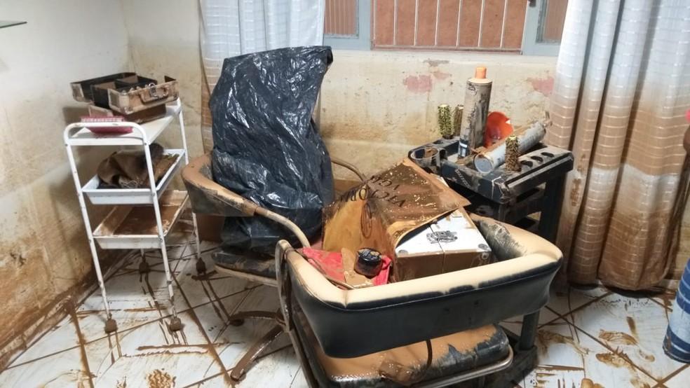 Salão de beleza após enchente em Alfredo Chaves, no ES  — Foto: Kaique Dias/ TV Gazeta