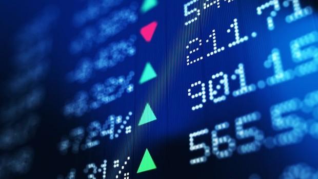 O índice Ibovespa atingiu, pela primeira vez na história, os 100 mil pontos. Por que o mercado está tão otimista se as projeções de crescimento vêm sendo reduzidas e o desemprego segue em alta? (Foto: Getty Images via BBC News Brasil)