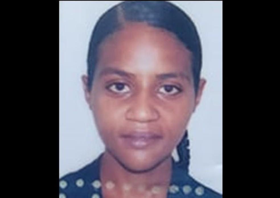 Alessandra Jéssica Lopes da Silva foi encontrada morta em estrada de terra de Mossoró, no Oeste potiguar. — Foto: Cedida