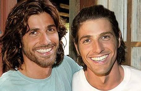 """Reynaldo Gianecchini fez os irmãos Paco e Apolo na novela das 19h """"Da cor do pecado"""" (2004)  TV Globo"""